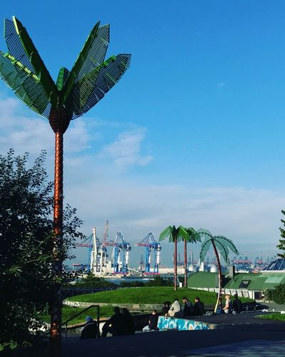 Park Fiction Stpauli Cranes Palmen Aus Plastik Artificial Palm Trees