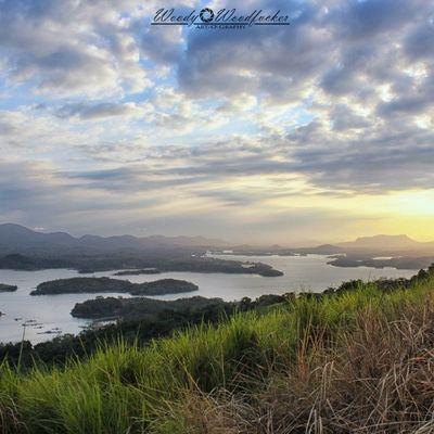 Kalian ga perlu kesana. Nikmati fotonya saja kalo ga mampu menjaga. :) Visitkalsel Iamacreativ Thecreativmovement Landscape Mount Mountain Sky Sunset Adventure Travel _____________________________