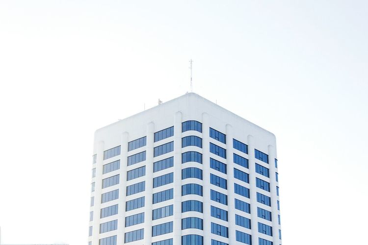 Architecture Built Structure Building Exterior No People Outdoors Day Low Angle View Sky Bright Light Building California Windows Single Building High View