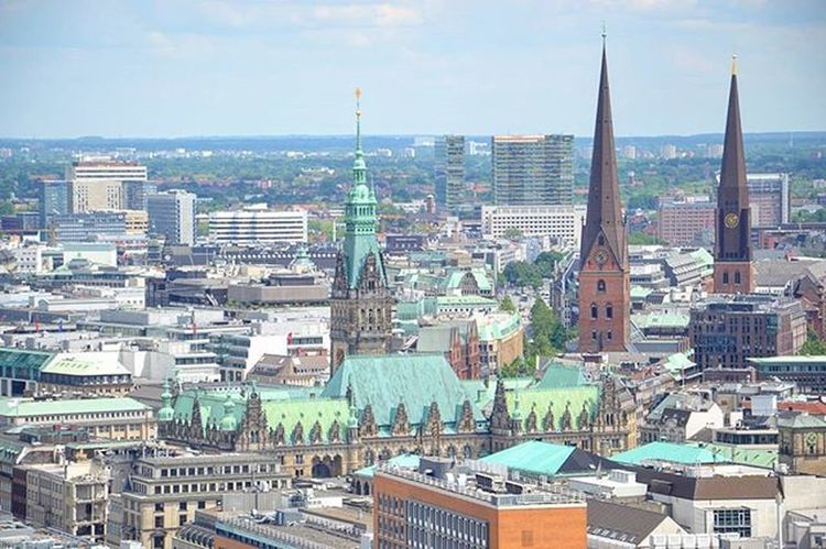 Hamburg. Hamburg Hafencity Hafencityhamburg Architecture Rathaus Travel Traveltheworld Travel_2_germany Street Springingermany Spring City Explore Explorenewplaces Beautiful Reise Deutschland Germany Europe Travelgram Instatravel Instamoment Instadaily Rathaus Kirche church