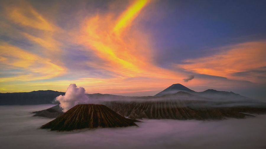 Mountain Ash Beauty City Cultures Volcano Sky Landscape Cloud - Sky Volcanic Landscape Bromo-tengger-semeru National Park East Java Province Sunrise - Dawn