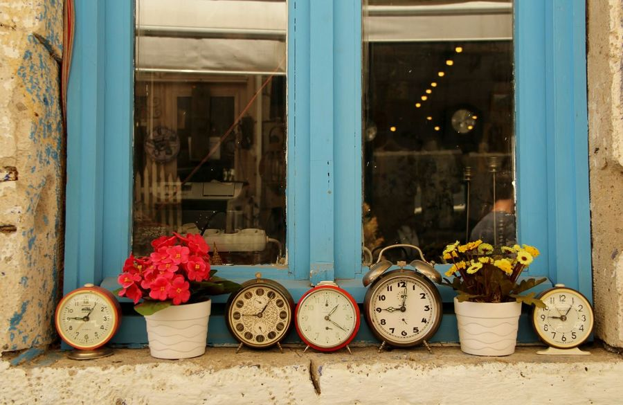 Streetphotography Urbangeometry Oldhouse Ontheroad Windows Homesweethome Nofilter Alacati Hello World Taking Photos