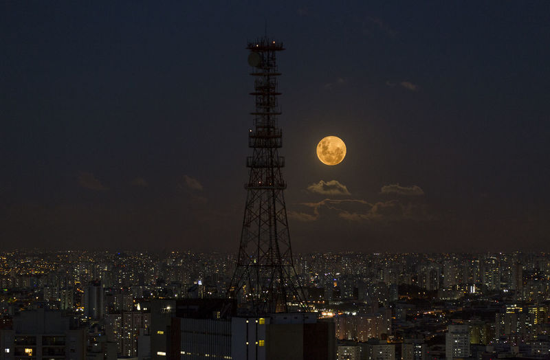Sao Paulo - Brazil Architecture Building Exterior Built Structure City Cityscape Dusky Sky Illuminated Landscape Moon Night No People Outdoors Sky Skyscraper Super Moon Super Moon 2018 Urban Adventures In The City HUAWEI Photo Award: After Dark