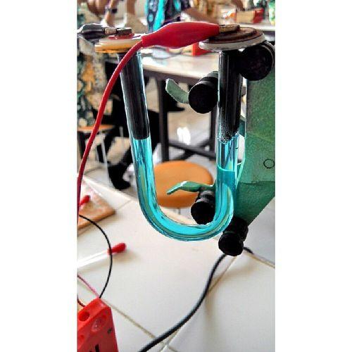 Praktikum Kimia Elektrolisis CuSO4 lab