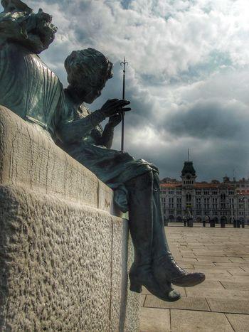 Piazza Unita' Trieste Italy Triestephotodays Triestestreetlife Trieste, Italy Triestemonamour Trieste TriesteSocial Triesteraccontatrieste