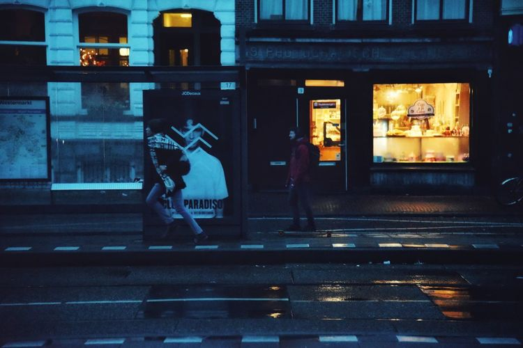Running Real People Early Morning Bus Stop Streetphotography City Street Urban Lifestyle Daily Life Amsterdam Capture The Moment From Where I Stand Eye4photography  EyeEm Gallery EyeEm Malephotographerofthemonth Real People City Lights City Men City Life Crosswalk Rainy Season Crossing Rain Street Scene Pedestrian
