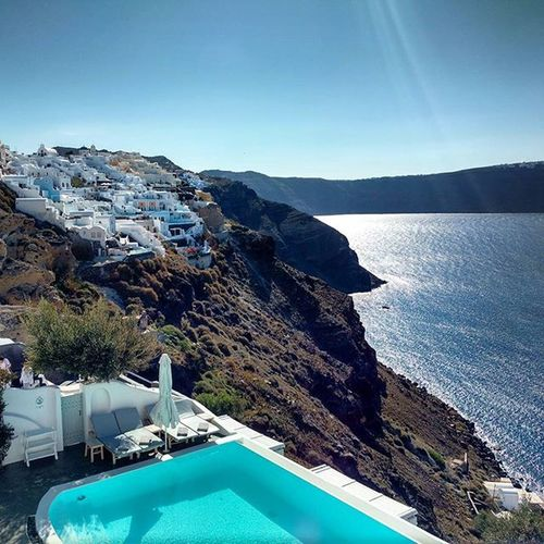 For Motivationmonday I give you Santorini , which needs Nofilter to captivate your senses. AndronisExperience Andronisluxurysuites Breakfastview