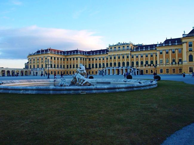 Architecture Traveling Schonnbrun Palace Travel Travel Photography Enjoying Life Check This Out EyeEm Best Shots From My Point Of View Photography Eye4photography  Schönbrunn Palace Austria Wien Taking Photos Statue Light And Shadow Fountain Architecture_collection