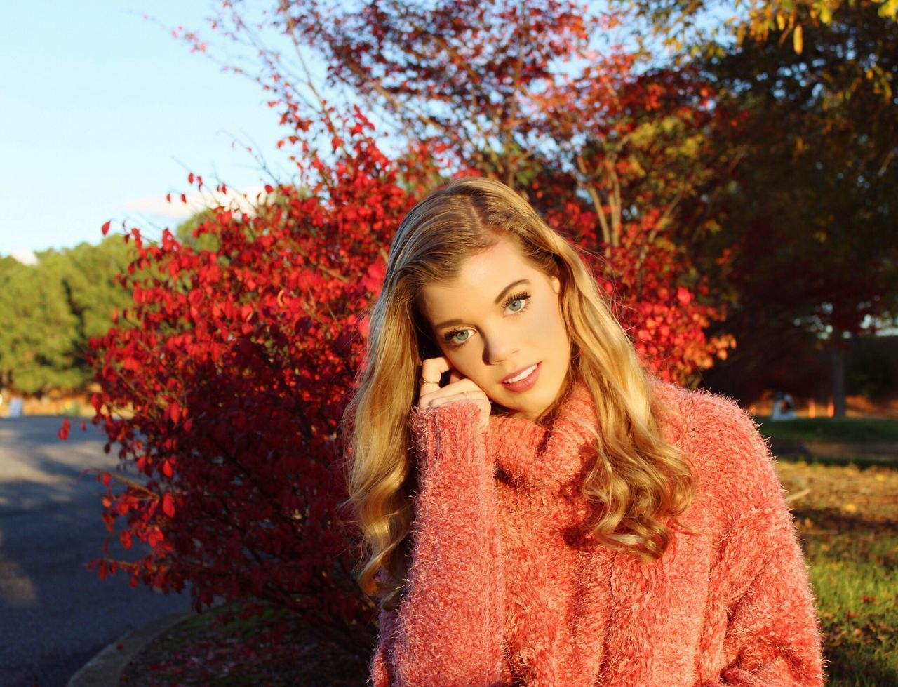 portrait, young adult, young women, looking at camera, tree, plant, one person, beauty, leisure activity, nature, hair, hairstyle, long hair, autumn, women, front view, beautiful woman, lifestyles, sky, outdoors, change