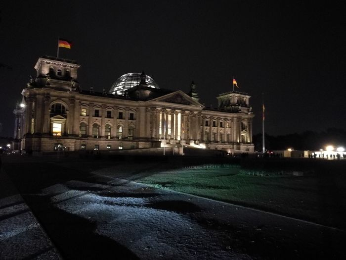 Reichstag Berliner Ansichten Berlin Berlin Photography Outside Cities At Night Majestic Building Exterior Architecture Light And Shadows Welcome To Black
