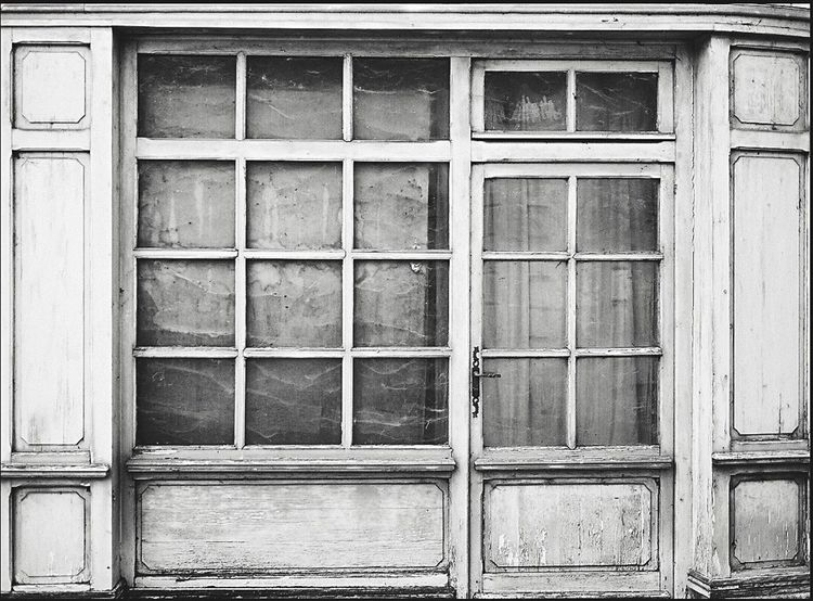 Blackandwhite Window Wood - Material Architecture No People Building Exterior Built Structure Day Full Frame Backgrounds Outdoors Blackandwhite Photography The Graphic City