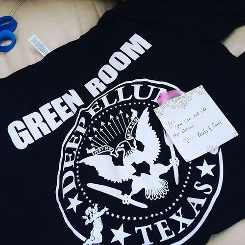 Got a little present in the mail today! ❤😘 you can take the girl outta Texas but you can take the Texas out of ME! Dallaslovesyou Dallasfamily Represent Deepellum Greenroomdeepellum Oahu Aloha @campcf1