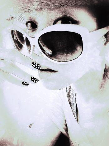 Blackandwhite Cool Hi. ThatsMe