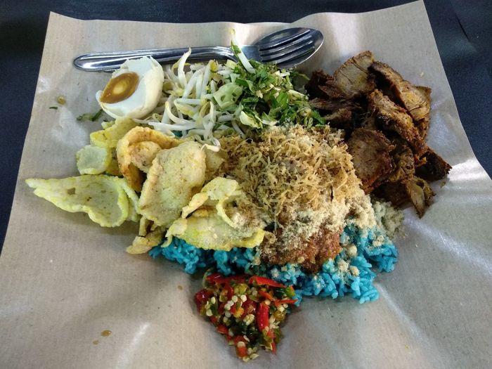 Nasi Kerabu dengan Daging Bakar Malaysian Food And Drink Nasi Kerabu Daging Bakar Food And Drink Food High Angle View Indoors  No People Freshness Plate