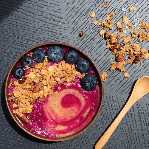 What about pitaya and passionfruit smoothie bowl top with blueberries and homemade granola! 😍 Pitaya Passionfruit Blueberries Homemade Granola Granola Smoothiebowl What's In My Bowl Food And Drink Foodphotography Foodstagram Foodstyling Photography Greatescape