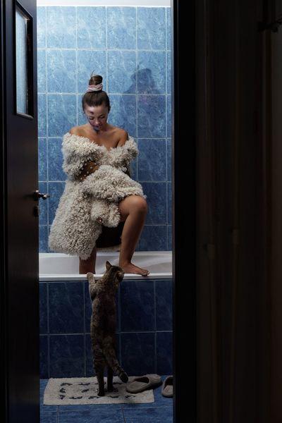 Cat Domestic Cat Young Women Bathroom Women Full Length Domestic Room Domestic Life Domestic Bathroom Bathtub