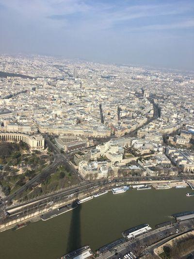 Tour Eiffel Shadowontheriver