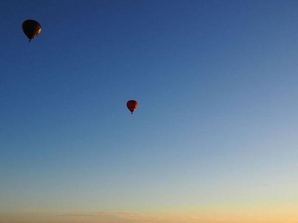 Hot air balloons flying over Melbourne at sunrise. ------------------------------------------------------- Hotairballoon Balloons Balloon Hotairballoons Flying Floating Peaceful Peace Sunrise Sunrise_sunsets_aroundworld Sunrise And Sunsets Floatingaway Melbourne Melbourneiloveyou Lovethiscity Australia Australiasunrise AUSTRALIA_OZ Travelworld Travelaustralia Exploreaustralia Travel Travelgram Mytravelgram Wanderlust instatravel travelworld olympus takemeback