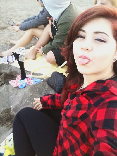 Friends ❤ Smoking Weed Beachphotography Relaxing Tongue Out Redhead Makeup ♥