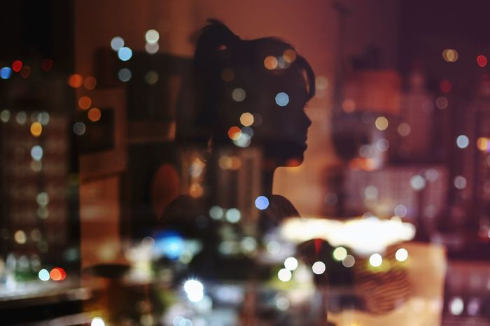 City lights 🌃 Night Defocused Illuminated City Christmas Lights Christmas Decoration Nightlife Xmas Portrait Of A Woman Portrait Creativity Night Lights Bokeh Reflection Colors Colorful The Portraitist - 2017 EyeEm Awards