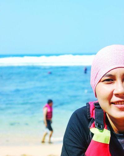 Apa yang sedang kau pikirkan ? 😁😁 Pantai Sundak Jogja Snorkeling Beach Pasirputih Canon