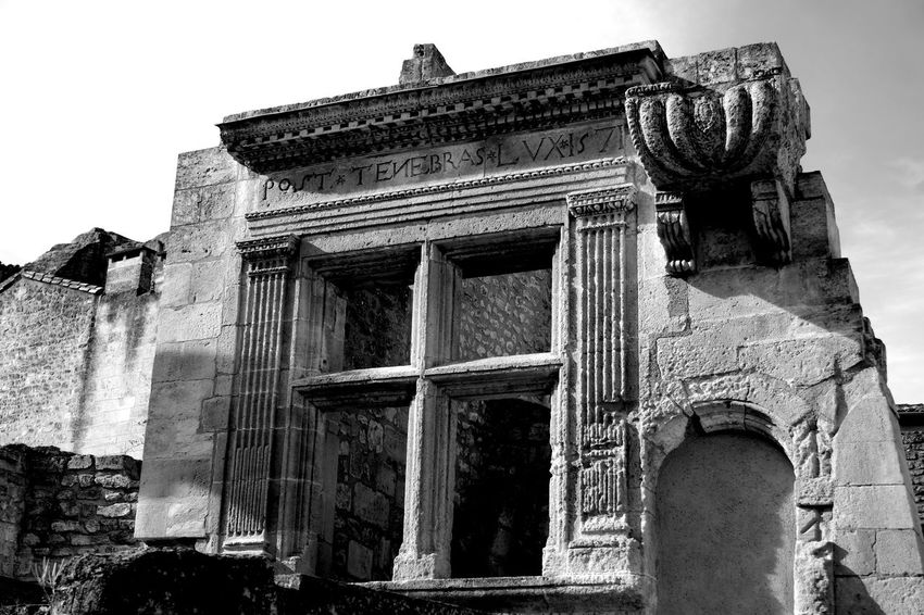 Ancient Ancient Civilization Architectural Column Architecture Black & White Black And White Photography Blackandwhite Blackandwhite Photography Built Structure Entrance Eye4photography  EyeEm Best Shots EyeEm Black&white! Famous Place France Historic History Les Baux De Provence Lesbauxdeprovence Low Angle View Provence Stone Material The Past The Week On EyeEm Weathered Monochrome Photography
