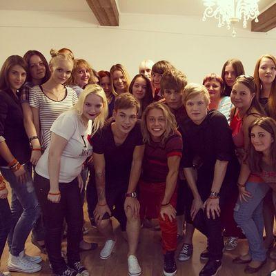 Какая же крутая была встреча! Очень скучаем по нашим любимым девчонкам... и ребятам ☺? 4post 4postsummer Friends Moscow best love music