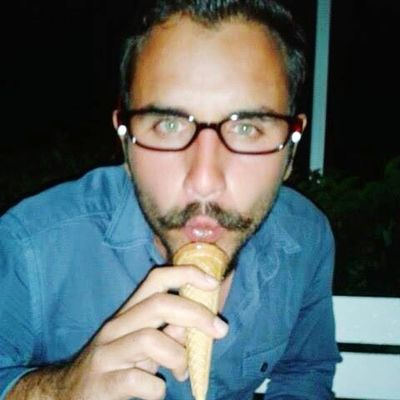 i am capable of singing with icecream cone =;) Sexyboy YEAHBUDDY Biscolata Kisses❌⭕❌⭕ Thats Me ♥ EyeEm Best Shots