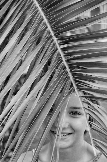 One Person Portrait Headshot Smiling Women Looking At Camera Young Women Young Adult Real People Lifestyles Happiness Front View Adult Palm Leaf Leaf Leisure Activity Emotion Looking Beautiful Woman