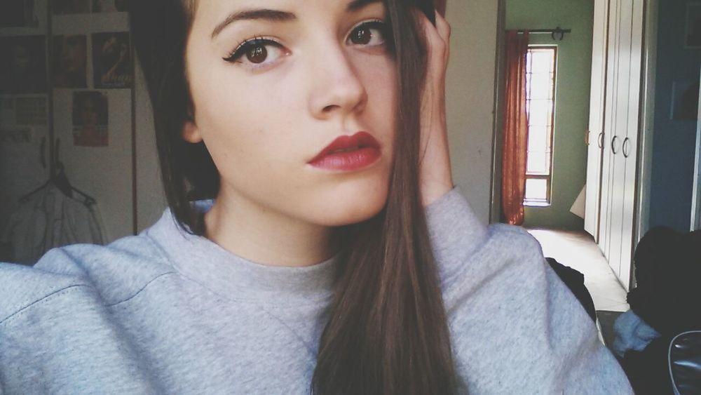 Selfie Girl Redlips Brunette Straightface Wintertime Goodmorning EyeEm