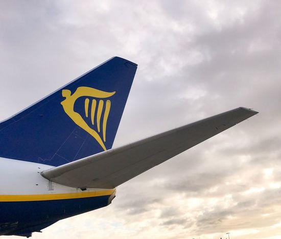 Holiday Ryanair Transportation Sky Airplane