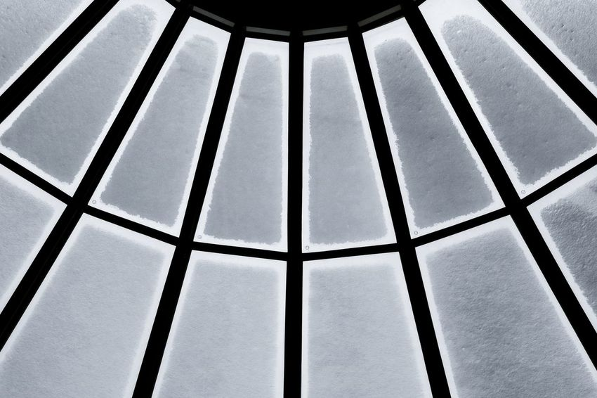 Abstract Skylight Concentriccircles Radius Geometric Architecturedetails Urbandesign Minimalism Bwarchitecture IcyWeather Frozen Winter Blackandwhite Geometryinarchitecture Symmetry Roof Background Snow Textures and Surfaces Texture Full Frame Backgrounds Pattern Sky Close-up Architecture Abstract Backgrounds LINE Architectural Design Architectural Detail