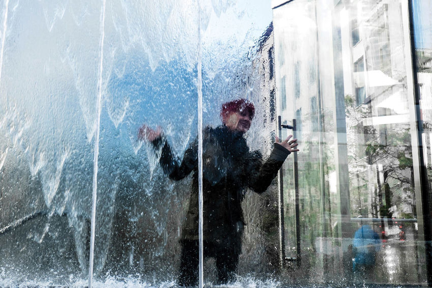 Street Streetphotography Street Photography Water TheWeekOnEyeEM UNPOSED Glass - Material City Architecture One Person Milan