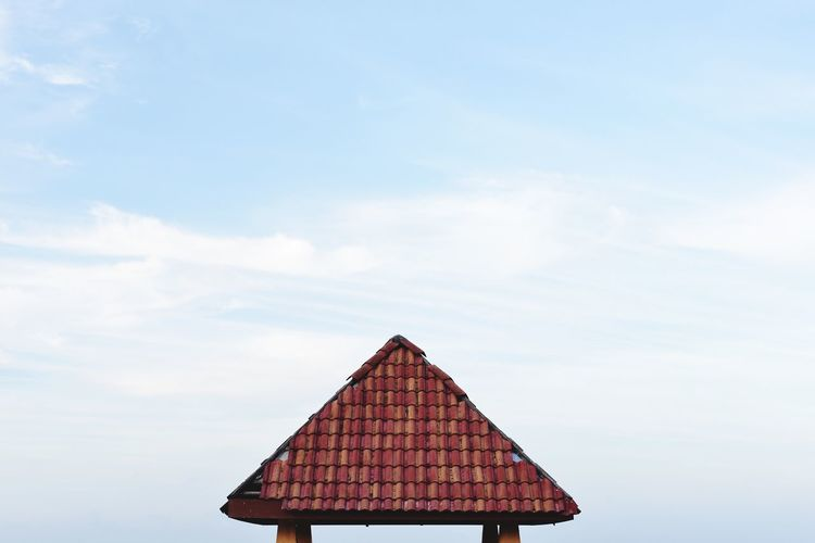 Roof as a subject on a clear sky Roof Sky Architecture Built Structure Day No People Building Exterior Outdoors Tiled Roof  Colour Your Horizn