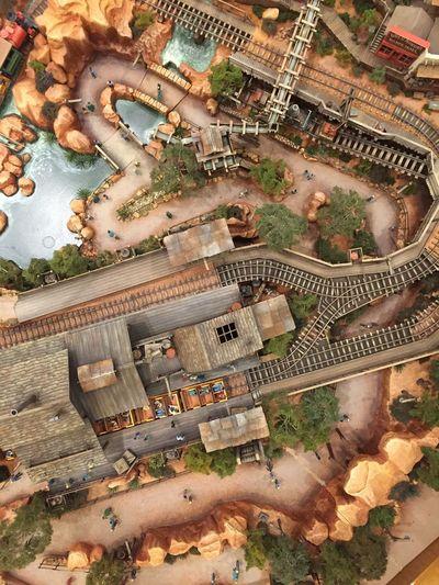 Model Disneyland Disneylandhotel Big Thunder Mountain Railroad Birds Eye View