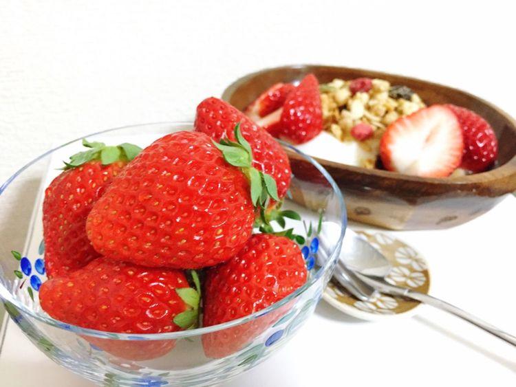 Strawberry Strawberries いちご 苺 ヨーグルト グラノーラ 朝食 Breakfast