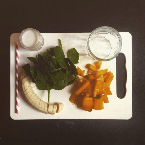 Breakfast Fruit Blender Banana Mango Spinach Smoothie Almondmilk