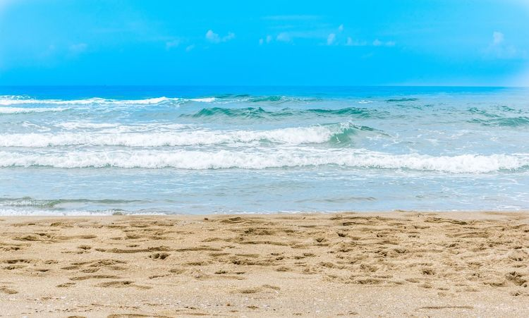 Seaside mood Sea Beach Wave Sand Nature Beauty In Nature Water Horizon Over Water Outdoors Blue Day Vacations Sky No People Scenics