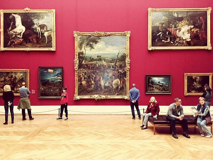 Museum Picture Frame Arts Culture And Entertainment Fine Art Painting Urban Exploration City Life Art Is Everywhere Eyeem Art Lover Museums Pinakothek Alte Pinakothek Kunstmuseum Art Gallery Art Photography Old Masters Kunst Museum Visit Museum Life Art Museum Painting On The Wall People Watching Oil Painting
