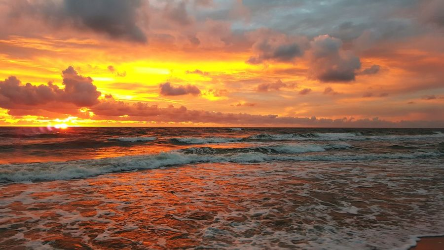 Nature is the Art Water Sea Sunset Beach Beauty Summer Multi Colored Saturated Color Sun Romantic Sky Dramatic Sky EyeEmNewHere