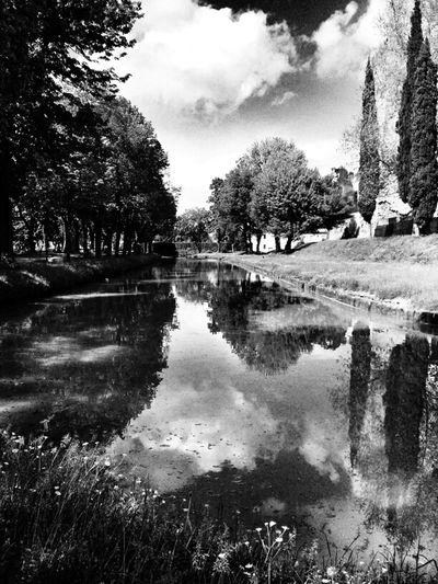 Reflection Blackandwhite TheMinimals (less Edit Juxt Photography) Shootermag