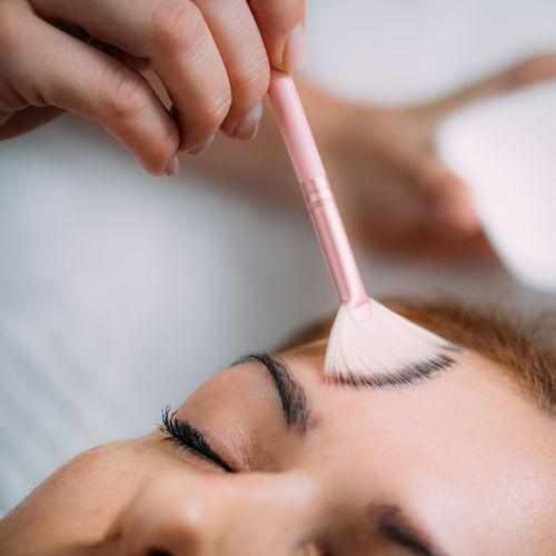 Chemical peeling facial beauty treatment.