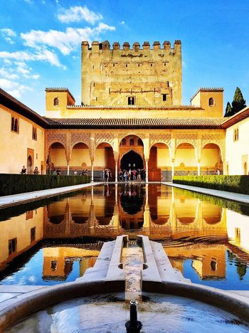 Glorious Palace La Alhambra Granada, Spain First Eyeem Photo Water Reflections Water Reflection Showcase April Splendid The Architect - 2016 EyeEm Awards Neighborhood Map The Architect - 2017 EyeEm Awards The Architect - 2017 EyeEm Awards