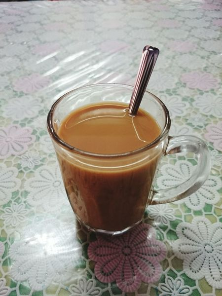 Hot Tea on table Indoors  Drinking Straw No People Jar Food And Drink Drink Healthy Eating Drinking Glass Freshness Close-up Day Milktea Tea Hottea