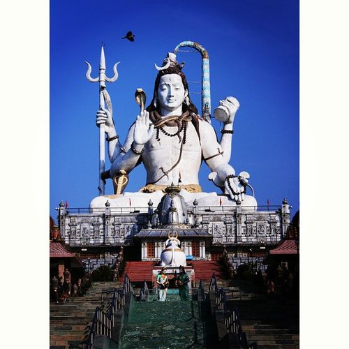 From here starts my recent trip to Sikkim, India. One hell of a place for sure ♥ Shiv ShivStatue Sculptures Huge Sky Deepbluesky Peace EarlyMornings Instapic Igersoftheday Thememorylane Mypixeldiary Bindebros Photography Photographer Canon DSLR