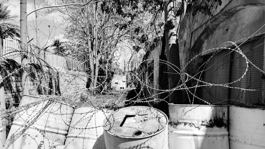Border Cyprus Northcyprus SouthCyprus Wires Streetphotography Blackandwhite Nikosia Backgrounds Full Frame Close-up