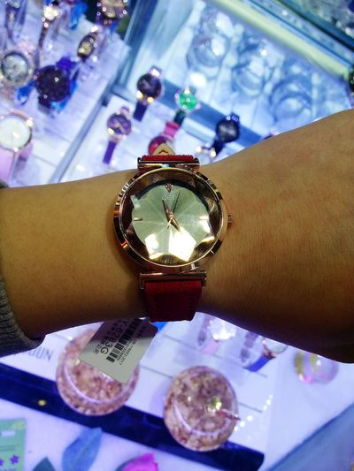 The watch Red Watch Human Hand Time Wristwatch Millionnaire Luxury Precious Gem Clock Face Jewelry Store Wealth Watch