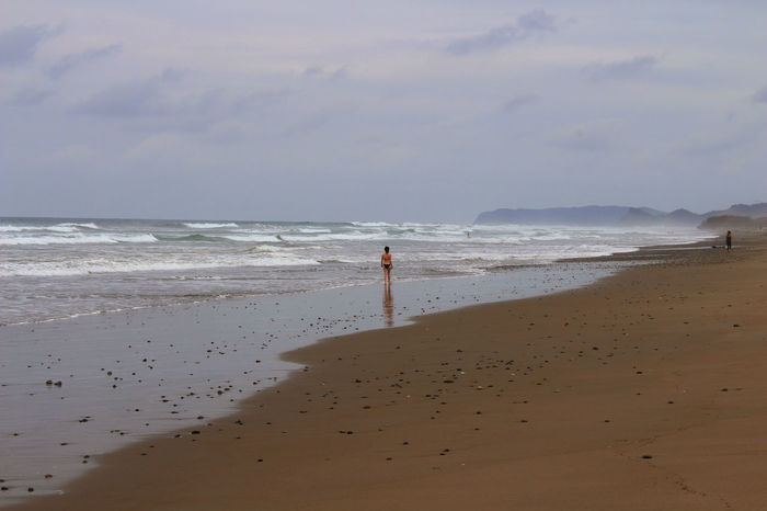 Almost alone 57daysinEcuador All You Need Is Ecuador Alone Beach Coastline Ecuador Escapism Getting Away From It All Girl Horizon Over Water Ocean Outdoors Pacific Ocean Sand Sea Sky Summer Vacations Water Wave Weekend Activities