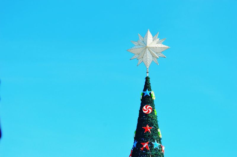 Tree Topper Outdoors Christmas2016 Celebration Christmas Tree Christmas Decoration Sky Tourism Arts Culture And Entertainment Tradition Vacations No People Holiday - Event Christmas Ornament Day Nikon D3200 Nikond3200photography