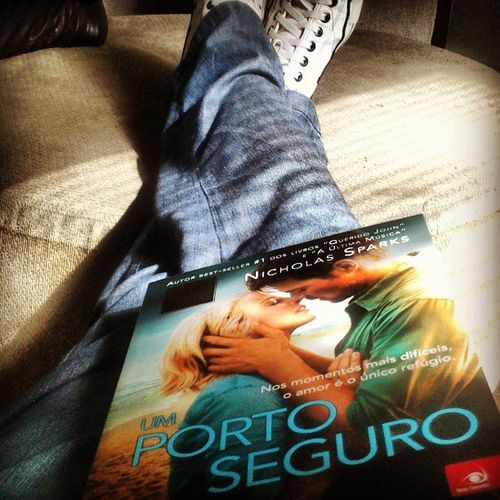 Lunch time at job... Umportoseguro Instagood Lunchtime Almoço Nicholassparks InstaRead